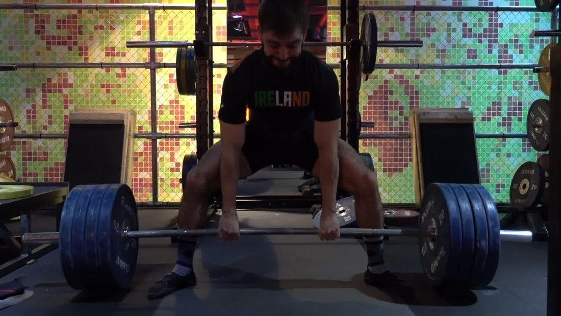 Irish Powerlifter Adam Hamilton Performs Hard-Core Squats & Deadlifts!!!
