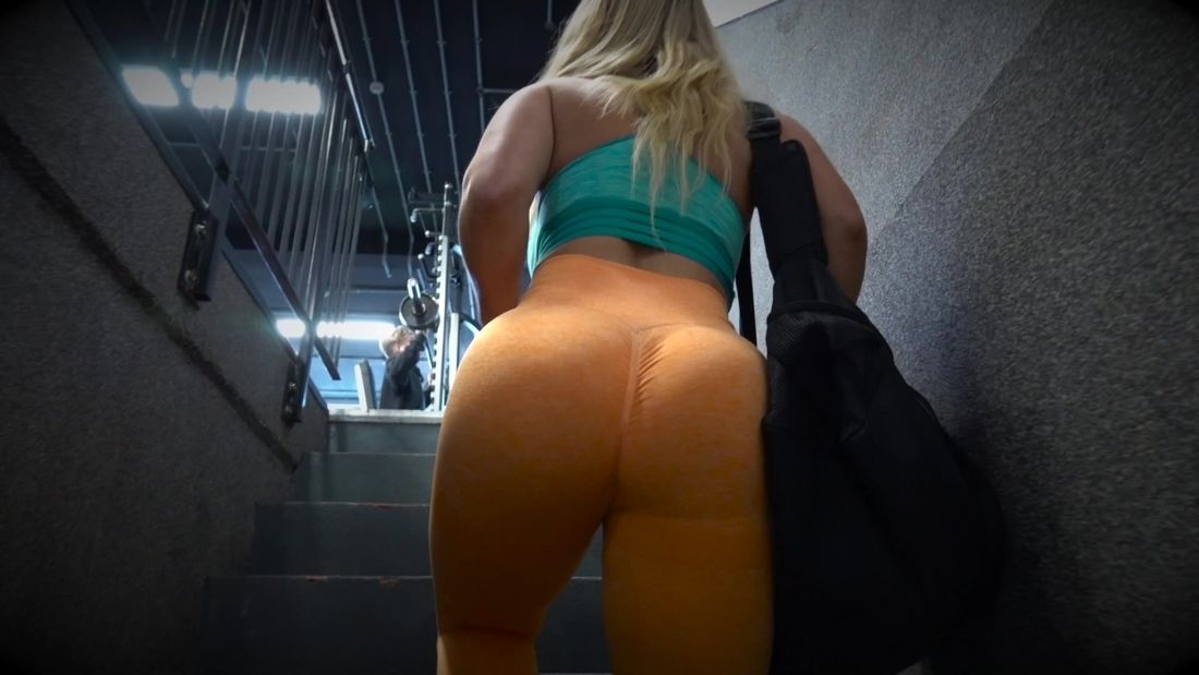 Bella Italian fitness girl Trains LEGS at Muscleworks Gym in London