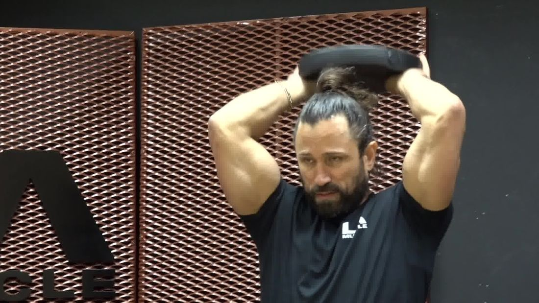 How To Correctly Train Your Biceps And Triceps | Arm Training