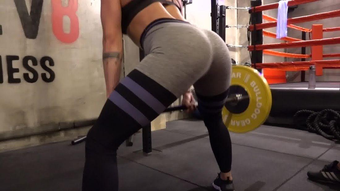 BRAZILIAN girl Monica Trains Legs with Celebrity Trainer Dean Ash!