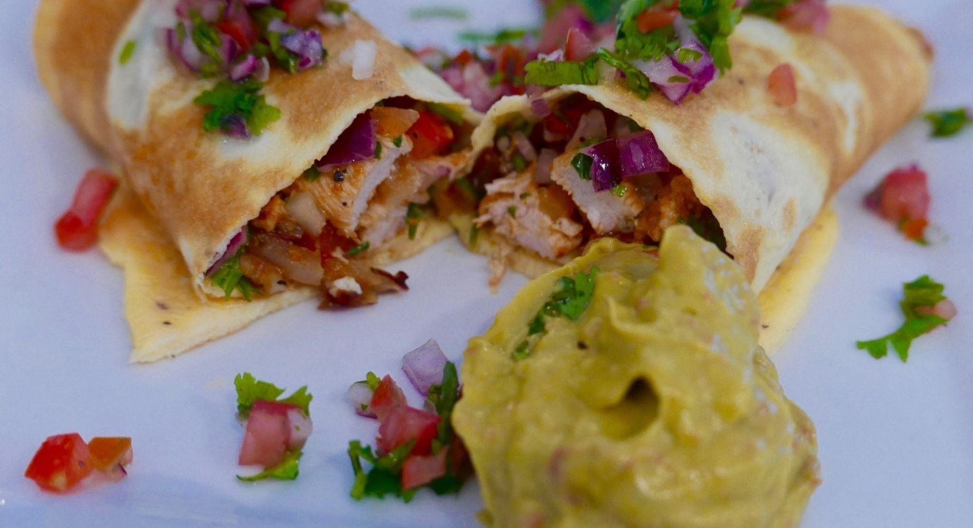 Egg Wrap Chicken Fajitas With Fresh Guacamole & Salsa