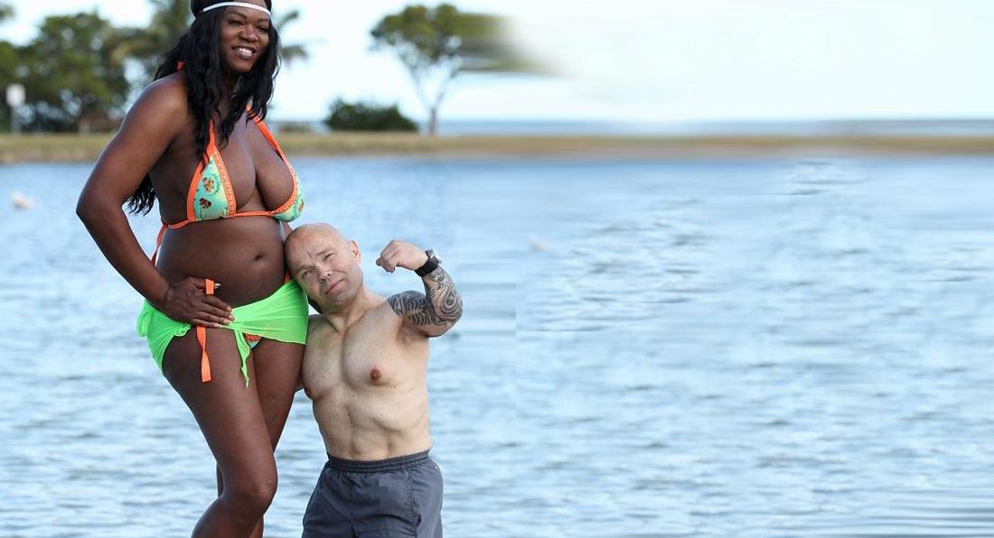 Dwarf bodybuilder, STRONGEST man in the world?