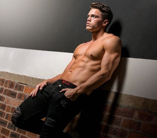 Model Mason Howard
