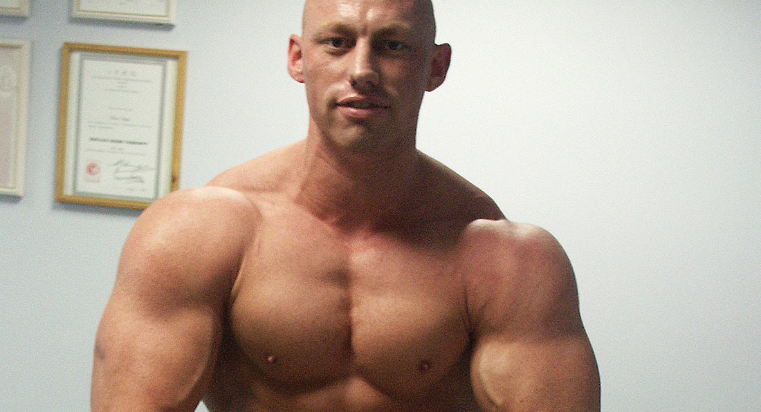 How to build eye-popping delts and traps