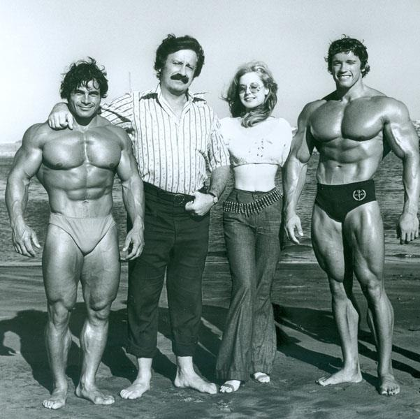 Classic bodybuilding photo from Venice Beach Muscle beach with Franco Columbo, Joe Weider, Betty Weider, Arnold Schwarzenegger