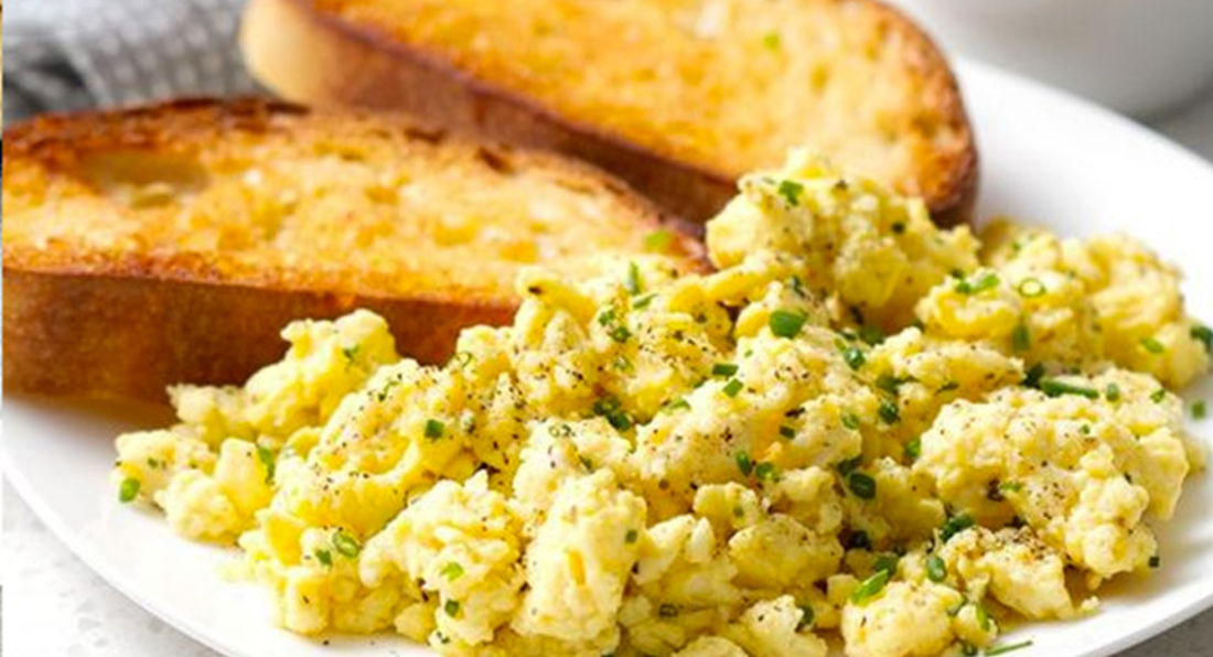 Tasty Egg Whites Scramble with Chicken