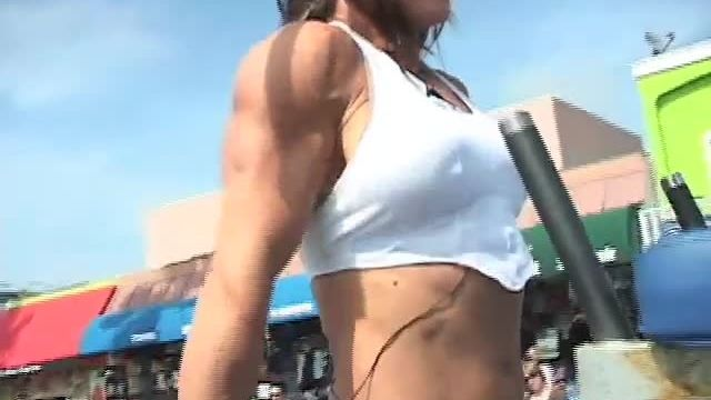 Lisa Carrodus - Muscle Beach