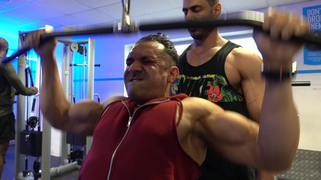 Bodybuilding Champion Training with 7 times Mr London